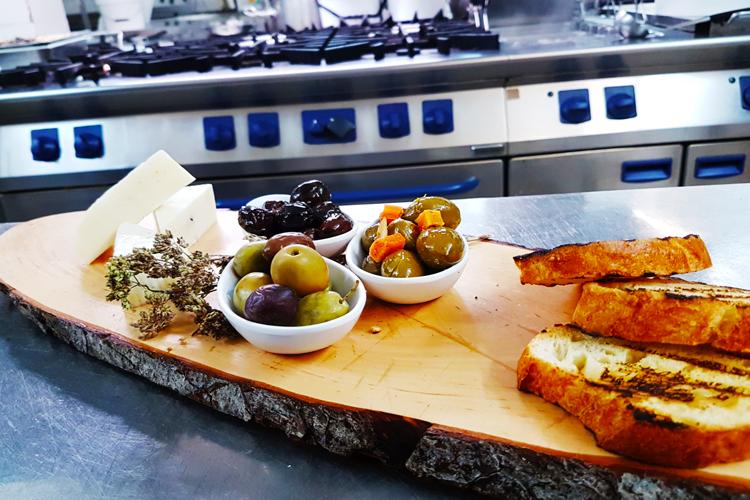 olive aperitivo