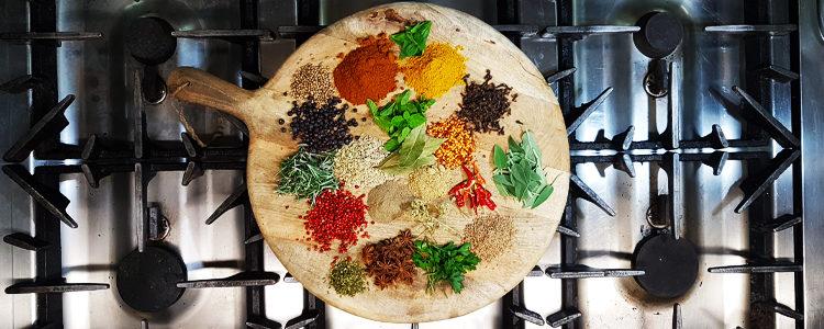 Erbe aromatiche e spezie: 5 buone ragioni per utilizzarle in cucina